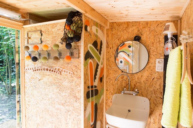 Prenez une douche au milieu des bois!
